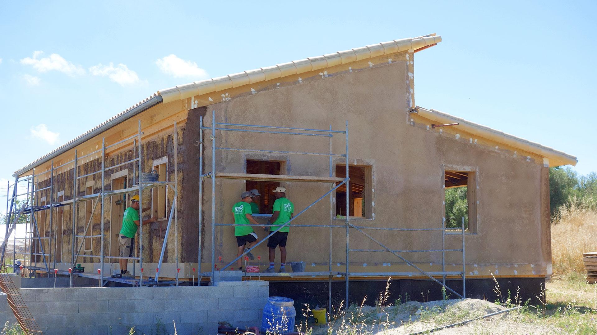 Rafael Sala -Arquitectura sostenible y saludable. Casas de paja, eficiencia energetica. Casa de paja en Alcúdia, Mallorca.