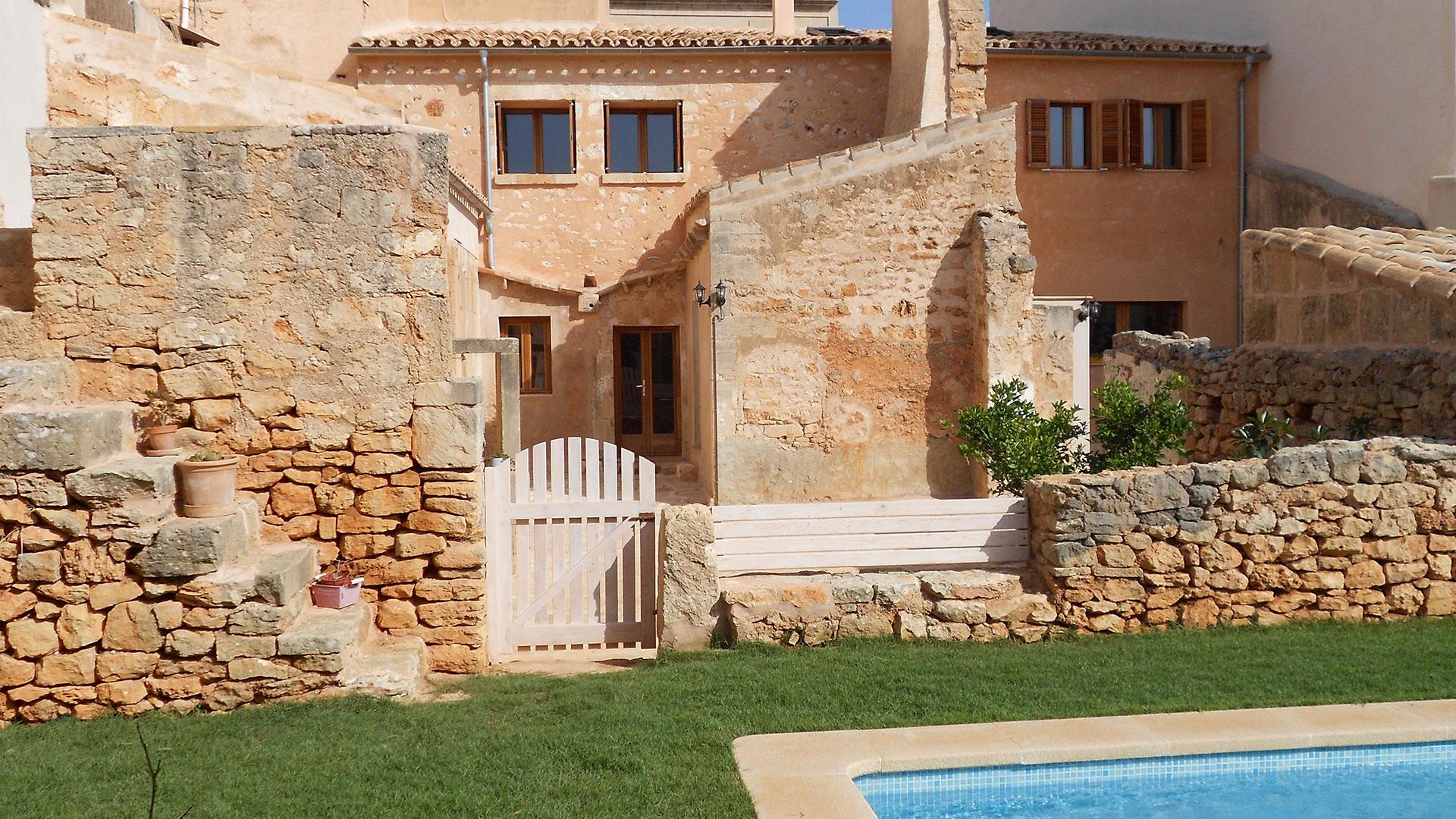 Rafael Sala -Arquitectura sostenible y saludable. Reforma bioclimática en Santanyí, Mallorca.