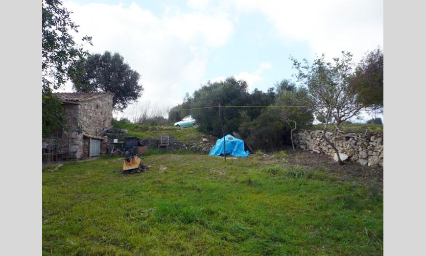Vivienda de balas de paja y madera (KLH) en Sant Llorenç (2010)