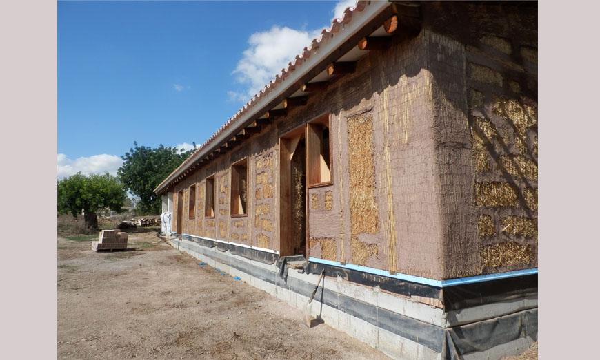 casa de balas de paja y madera porreres mallorca espaa